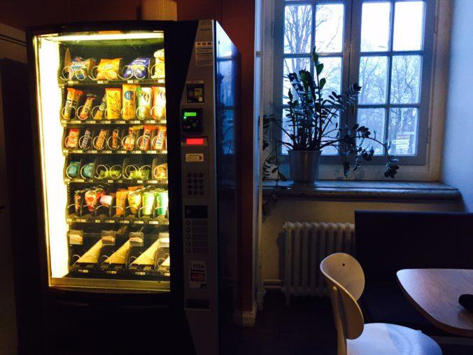 Godis- och smörgåsautomat